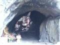 洞穴入り口から