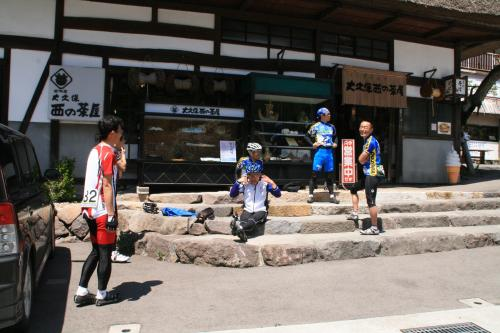 20100516北信五岳西の茶屋前