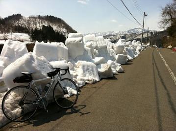 20110403CAAD10雪の塊