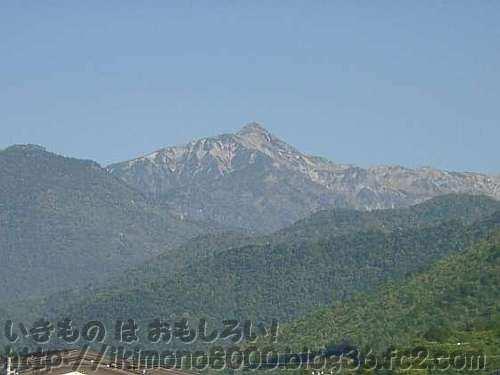 平湯温泉から見た笠ヶ岳(かさがたけ)