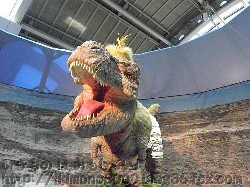 吠える亜成体ティランノサウルスのジェーン