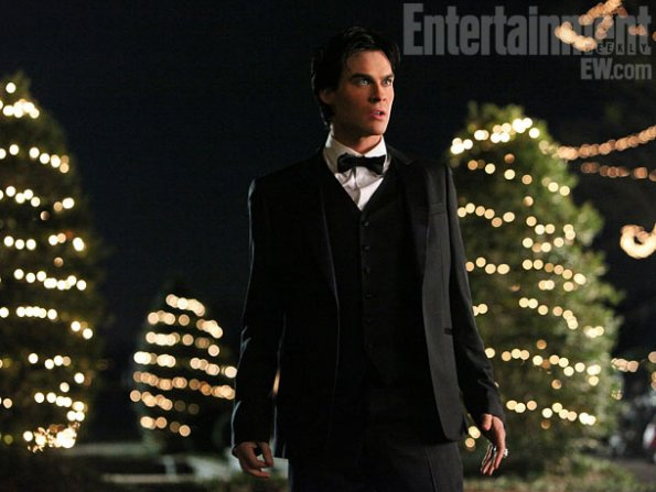 The-Vampire-Diaries-3x14-Dangerous-Liaisons-teamdamon4life-28295778-595-447.jpg