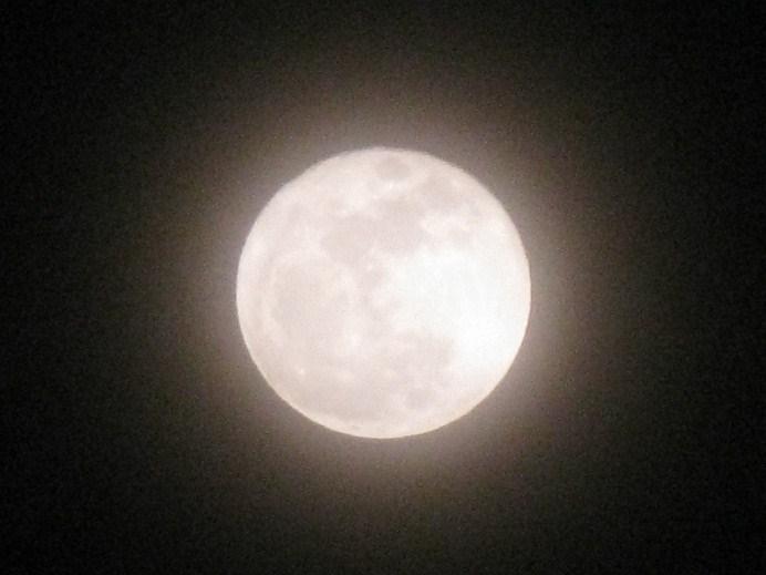 _201103202039満月