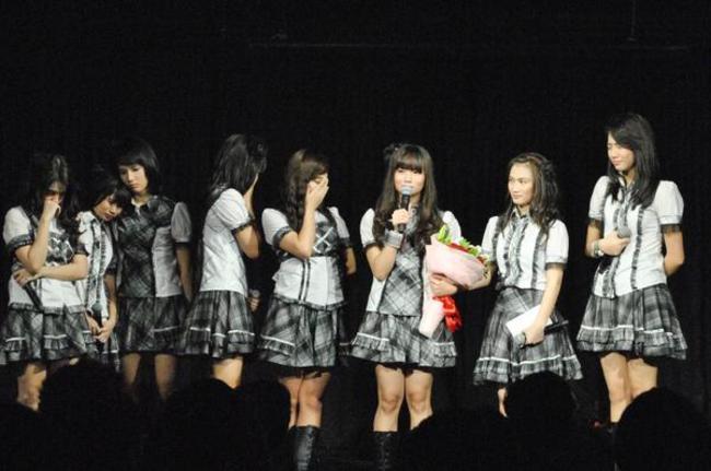 Isak-Tangis-Warnai-Perpisahan-Stella-dengan-JKT48_haibaru650x431.jpg