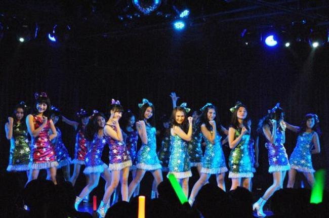 JKT48-Team-J-Sukses-Gelar-Show-RKJ-Terakhir_haibaru650x431.jpg