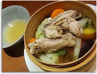 野菜と地鶏のセイロ蒸し