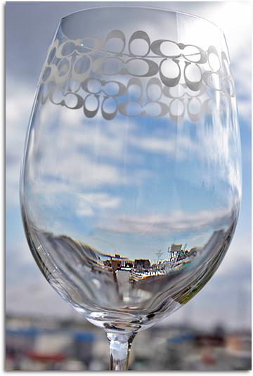 空と町とグラス