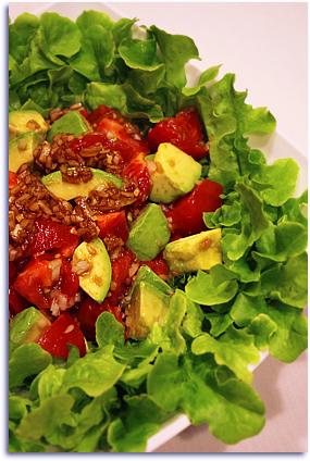 アボカドとトマトのサラダ。