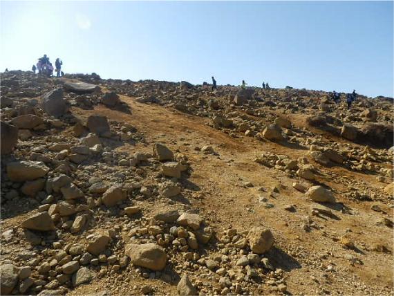 刈田岳の岩肌
