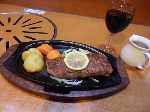 米沢牛のステーキ