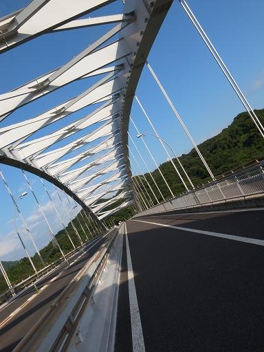大三島橋は原付と自転車が同じ車道を通る