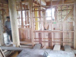 2階壁腰板