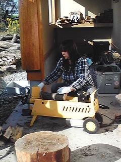 薪割り機で