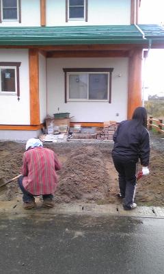 朝から穴掘り2