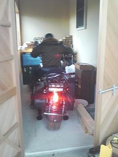 ガレージへ5