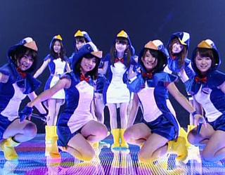 EKY48-AKB48-Hashire-Penguin.jpg
