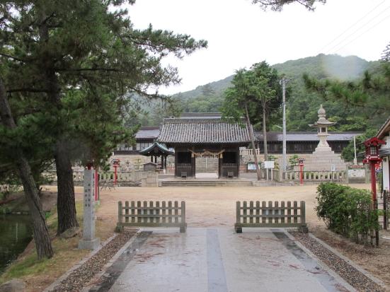 吉備津彦神社山門