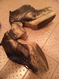 厚底靴の惨劇
