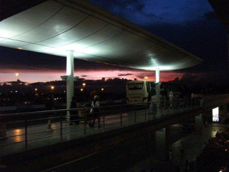 7.マニラ空港の夕焼け
