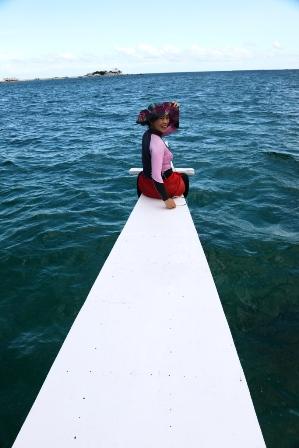 真紀、セブの海を楽しむB