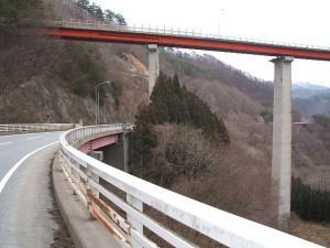 自殺の名所ループ橋06
