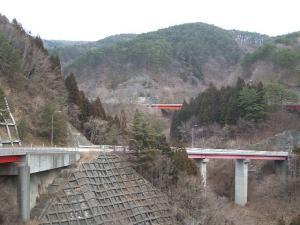 自殺の名所ループ橋01