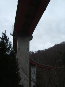 自殺の名所ループ橋10
