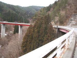 自殺の名所ループ橋08