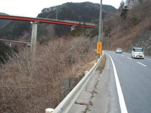 自殺の名所ループ橋18