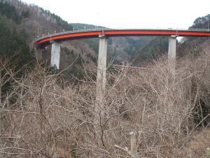 自殺の名所ループ橋16