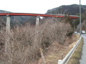 自殺の名所ループ橋14