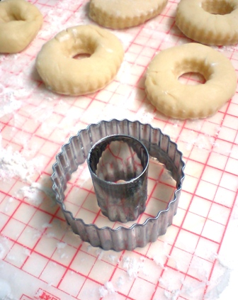 菊型でドーナッツ*