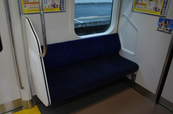 2010年7月31日 京葉線 白い砂 TDR臨 3人がけ
