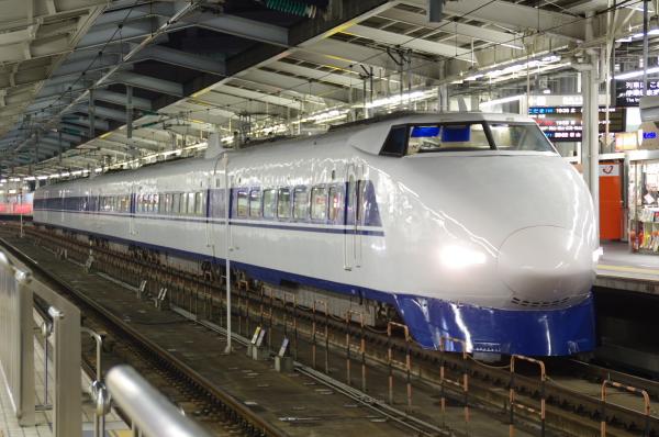 2010年8月19日 18きっぷ 京都旅行 100系 新大阪