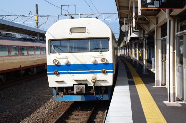 2010年8月19日 18きっぷ 京都旅行 419系食パン顔 敦賀