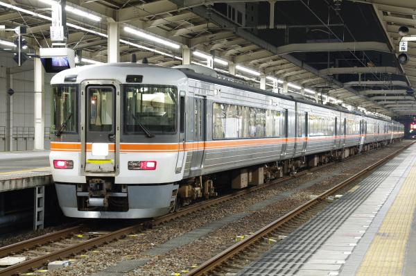 2010年8月20日 18きっぷ 大阪旅行 373系 静岡