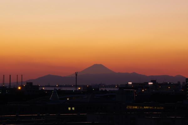 2010年12月18日 京葉線  富士山