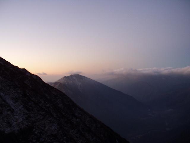 北アルプス-奥穂高岳(上高地~岳沢ヒュッテ~奥穂高岳)H16・11・6~7) 035