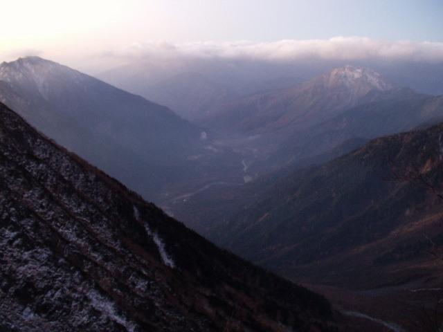 北アルプス-奥穂高岳(上高地~岳沢ヒュッテ~奥穂高岳)H16・11・6~7) 036