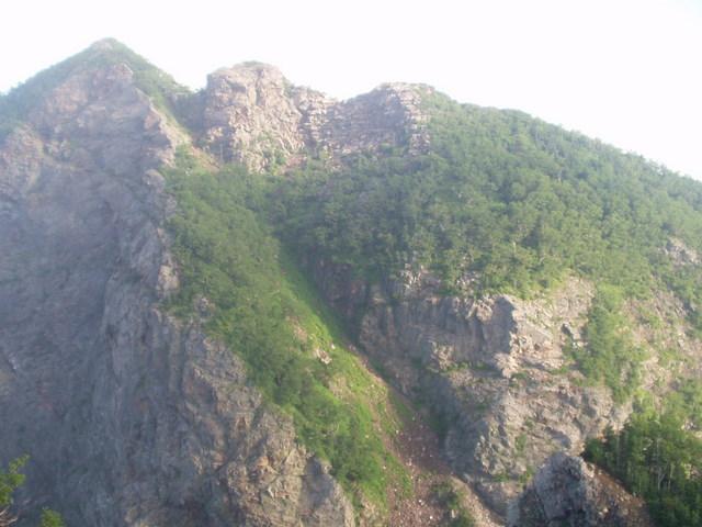 南アルプス-鋸岳縦走(北沢峠~甲斐駒ケ岳~六号石室~第二高点~第一高点~横岳峠~富士川源流~富士見)H17・8・6~7)② 053