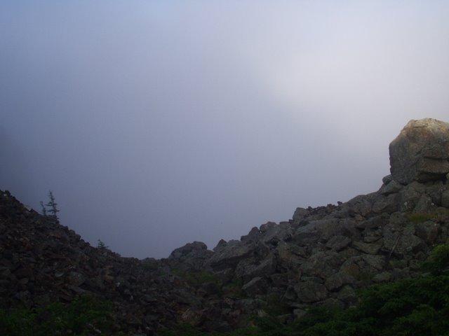 南アルプス-鋸岳縦走(北沢峠~甲斐駒ケ岳~六号石室~第二高点~第一高点~横岳峠~富士川源流~富士見)H17・8・6~7)② 058