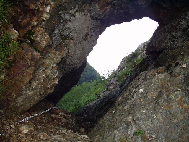 南アルプス-鋸岳縦走(北沢峠~甲斐駒ケ岳~六号石室~第二高点~第一高点~横岳峠~富士川源流~富士見)H17・8・6~7)② 019