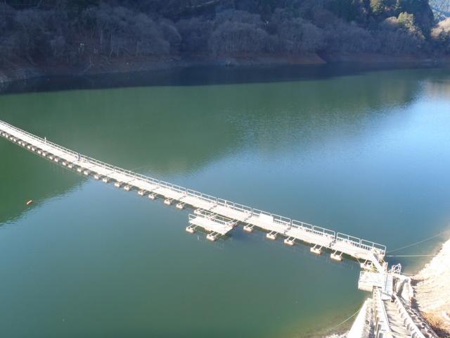 奥多摩ー奥多摩湖~鞘口峠~浅間尾根~払沢の滝H22.12.23 001