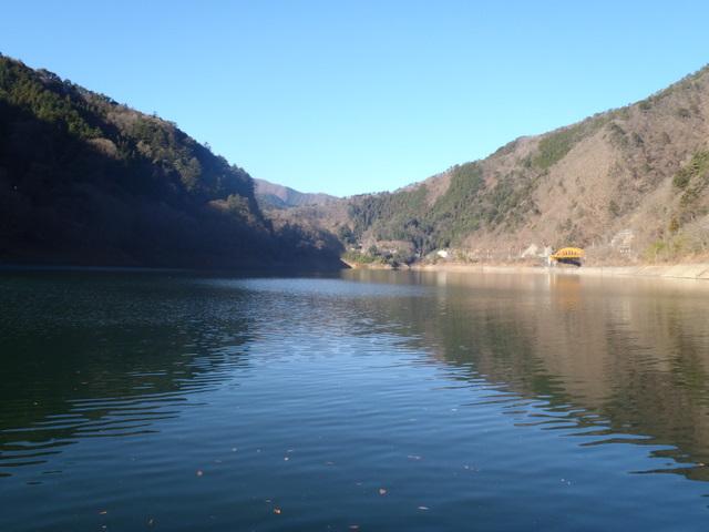 奥多摩ー奥多摩湖~鞘口峠~浅間尾根~払沢の滝H22.12.23 007