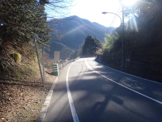 奥多摩ー奥多摩湖~鞘口峠~浅間尾根~払沢の滝H22.12.23 017