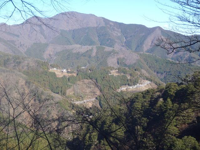 奥多摩ー奥多摩湖~鞘口峠~浅間尾根~払沢の滝H22.12.23 104