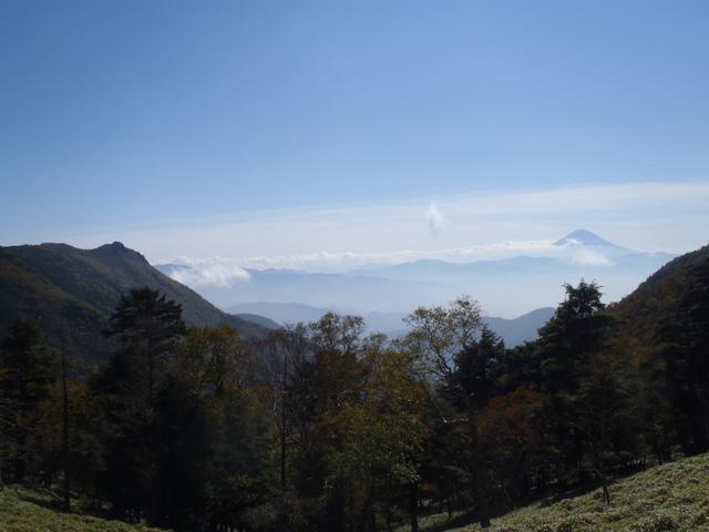 徳和~大ダオ~黒金山~西沢渓谷H23.10.10 092