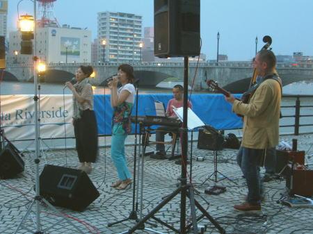 萬代橋サンセットカフェ201105