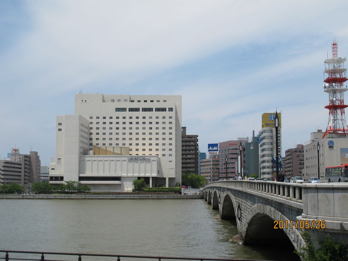 信濃川川沿い やすらぎ堤 3時間 ...