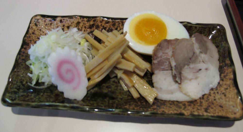 11G12月13日●Sかも屋チャーシュー麺_03